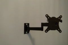 SMALL PIVOT TV ON WALL BRACKET